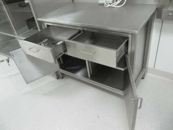 Superieur Stainless Steel Furniture